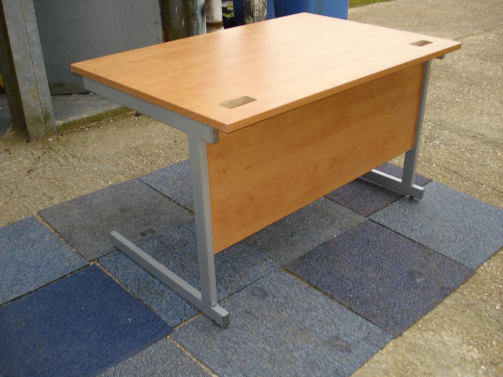 Buy This 1000mm X 800mm Cantilever Desk Light Cherry Scott Associates