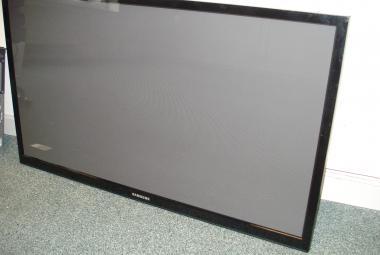 used samsung plasma TV PS51E490B1K berkshire