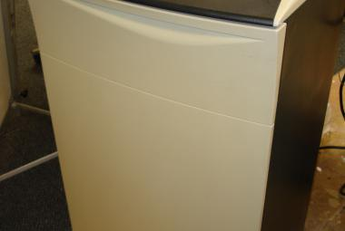 used fellowes c-220 office shredder surrey