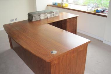 walnut veneer executive desk with inlay reading newbury berkshire