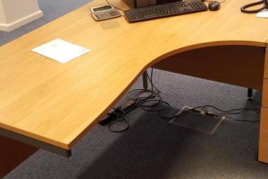 used 1.6m corner ergo desk cantilever oak reading newbury berkshire