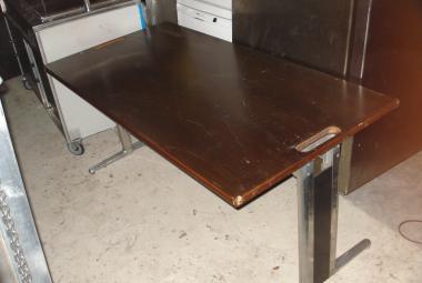 used mills and west 1.6m walnut veneer desk with pedestal newbury