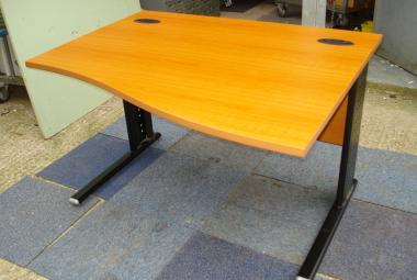 used 1200mm cherry wave desk newbury berkshire