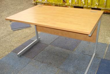 1200mm light cherry straight cantilever desk newbury berkshire