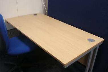 1.4m cantilever office desk beech oxford newbury