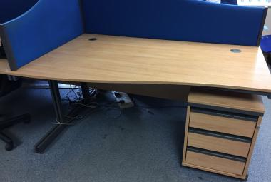 used dams 1.5m wave desk oak reading newbury berkshire