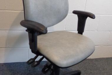 High Back Vinyl Operator Chair, gas lift, lumbar support, Used