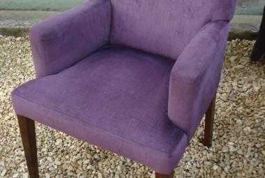 purple lounge chair with arms pub hotel newbury reading
