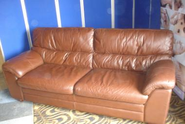 large brown leather settee newbury reading  berkshire