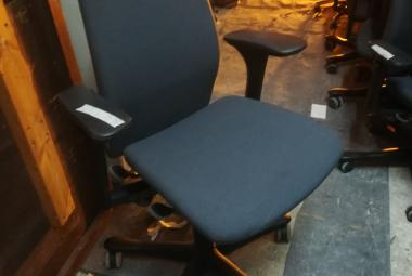 kinnarps 5000 multi function operator chair with arms newbury reading berkshire