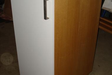 1 door cupboard with cage pull outs newbury berks