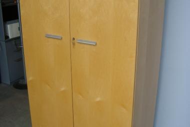 2 door maple veneer cupboard shelves hampshire berkshire executive