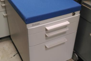 steelcase commercial grade under desk mobile pedestal newbury berkshire