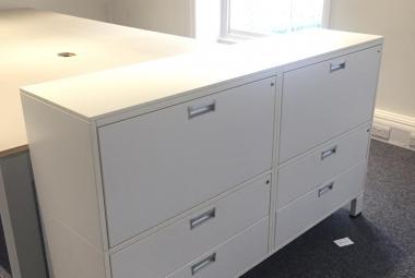white storage unit newbury berks